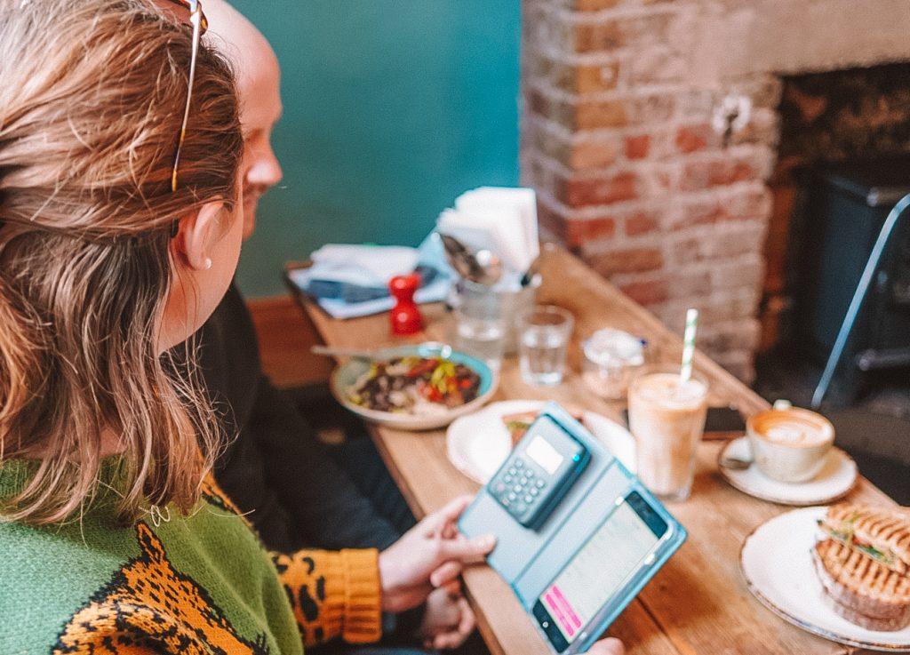 Smart ways to improve your restaurant efficiency